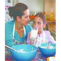 Çocuğunuzun Zeka Gelişimi İçin Her Gün Süt