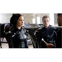 """Son """"Hunger Games"""" İkiye Bölündü"""