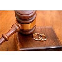 Boşanma Girdabindan Seslenenler Var
