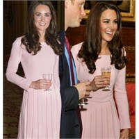 Kate Middleton Ve Pembe Elbisesi