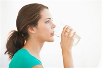 Sıcak Limonlu-sirkeli Su İçin