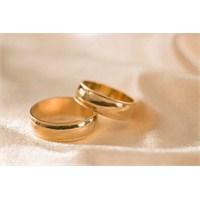 Bekar Kalmak Mı? Evlenmek Mi? İşte Cevabı!
