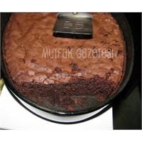 """""""Mississiphi Mud Cake"""""""