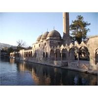 Güneydoğu Anadolu'nun Gizemli Şehri Şanlıurfa