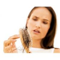 Saç Dökülmesi Hastalık Mı?