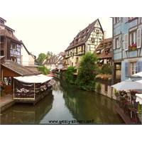 Alsace Evleriyle Güzel Colmar