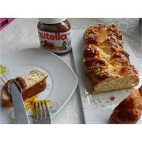 Ev Yapımı Paskalya Çöreği