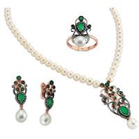 Favori İnci Beyaz Ve Yeşil Altın Takı Modelleri