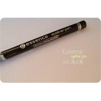 Essence // Eyeliner Pen