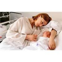 Doğum Sonrası Anne Ve Bebeğin Aynı Odada Kalması