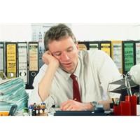 Kendinizi Sürekli Yorgun Hissetmenin Nedenleri