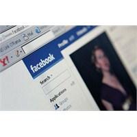 Facebook Ve Twitter'da Yazdıklarınıza Dikkat Edin