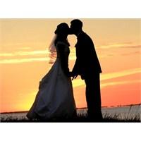 Neden Hepimiz Bir Gün Evlenmek İstiyoruz ?