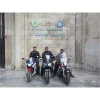 Evden Okula Motosiklet İle Gitmenin Mutluluğu