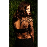 Ashley Greene'nin Dantel Bluzu