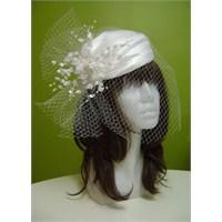 Kafesli Tüllü Beyaz Nikah Şapkası