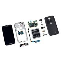 Galaxy S4, İphone 5'i Solladı!