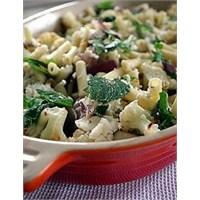 Pratik Tariflerden Sebzeli Makarna Salatası