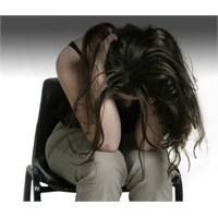 Depresyondaki Bir Kişiye Nasıl Yardım Edebiliriz