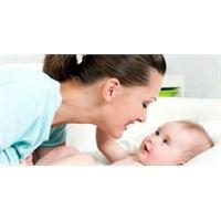 Bebeğinizin Gülümsemesine Karşılık Verin