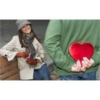 Sevgisinden Kuşku Duyduğumuz Anlar Var Mı?