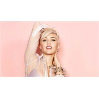 Miley Cyrus'dan Vevo Rekoru