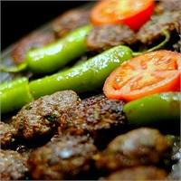 """Türk Sokak Yiyecekleri """" Köfte Ekmek """""""