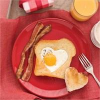 Sevgililer Günü Fikirleri | Kalpli Yumurtalı Ekmek