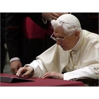 Papa Twitter'dan Günah Çıkarılmasının Önünü Açtı.