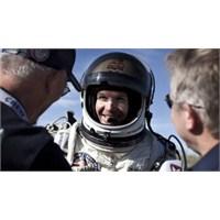 Felix Baumgartner Ses Duvarını Aşan Atlayışıyla