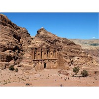 Bir Başyapıt Olarak Petra