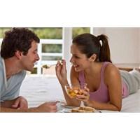 Evlilik Sonrası Çiftlerin Kilo Alma Nedeni ?