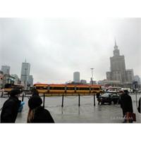 Varşova'da Uyanmak