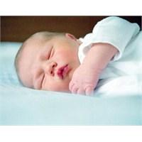 Bebeklerin Aylara Göre Fiziksel Gelişimleri