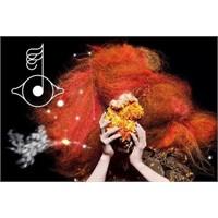 "Yeni Video: Björk ""Hallow"""