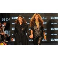 Beyonce Ve Annesi Podyumda!