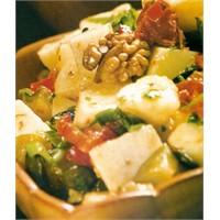 Kurutulmuş Domatesli Patates Salatası