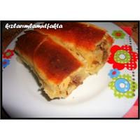 Patatesli & Kıymalı Kol Böreği...