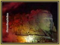 İzmir de Dev Atatürk Maskı