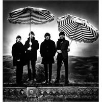The Beatles'ın Fotoğrafçısı Whitaker Artık Yok…