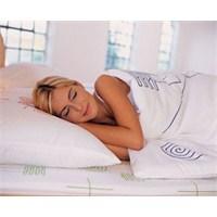 Uyku Sırasında Uygun Pozisyonda Yat
