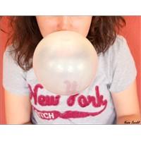Balon Şişirecekken Ağızdan Düşen Fırlama Sakız