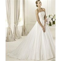 Pronovias 2013 Fashion Gelinlik Modelleri
