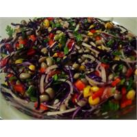 Renkli Kuru Börülce Salatasi