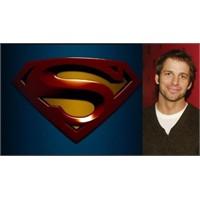 Superman Yönetmenini Buldu