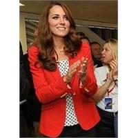 Kate Middleton'un Kırmızı Ceketi