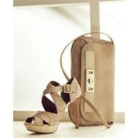 Divarese Ayakkabı Modelleri: Ayakkabı Aşktır !