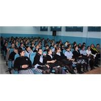 İş Garantili Liselere Kızlar Daha Meraklı