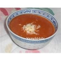 Domatesli Tarhana Çorbası Tarifi