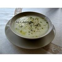 Yoğurtlu, Sarımsaklı Tavuk Çorbası